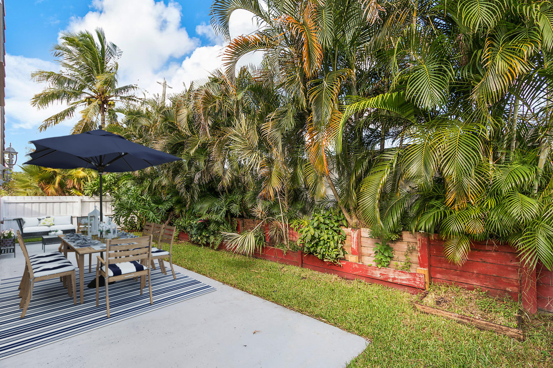 1377 Fairfax Circle Boynton Beach, FL 33436 photo 21