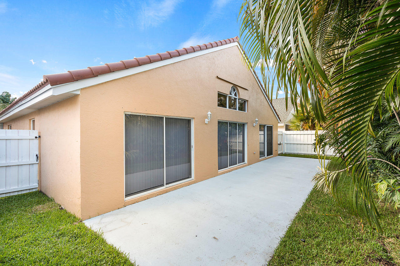 1377 Fairfax Circle Boynton Beach, FL 33436 photo 22