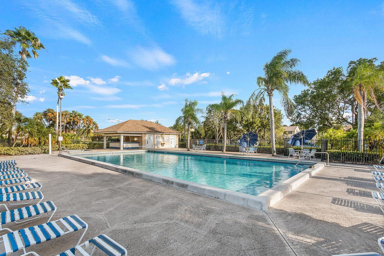 1377 Fairfax Circle Boynton Beach, FL 33436 photo 26