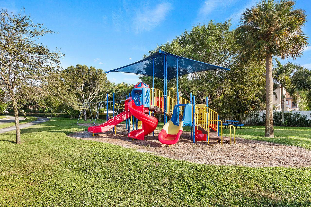 1377 Fairfax Circle Boynton Beach, FL 33436 photo 29