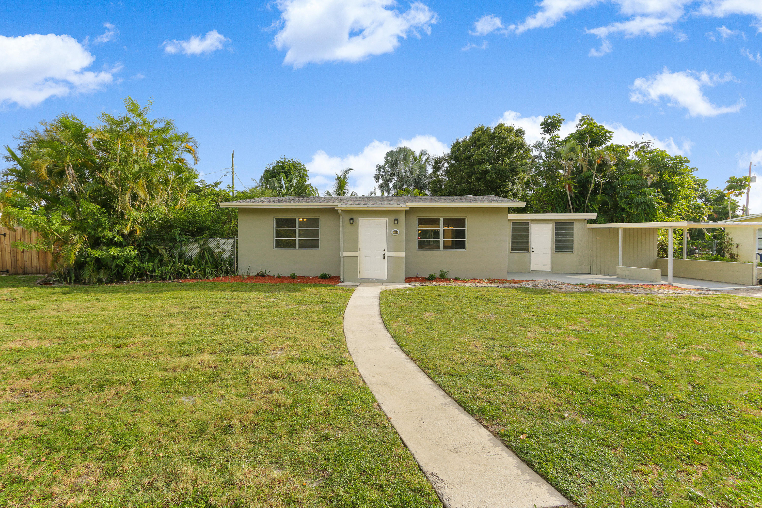 Home for sale in SUNSET MANORS AMEN PLAT Wilton Manors Florida