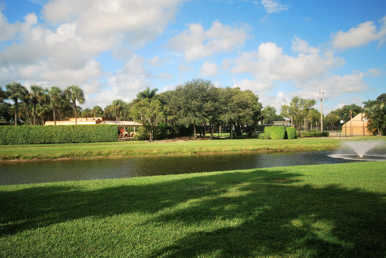 157 Heritage Way West Palm Beach, FL 33407