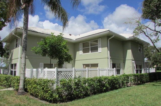1919 Stratford Way 32c West Palm Beach, FL 33409
