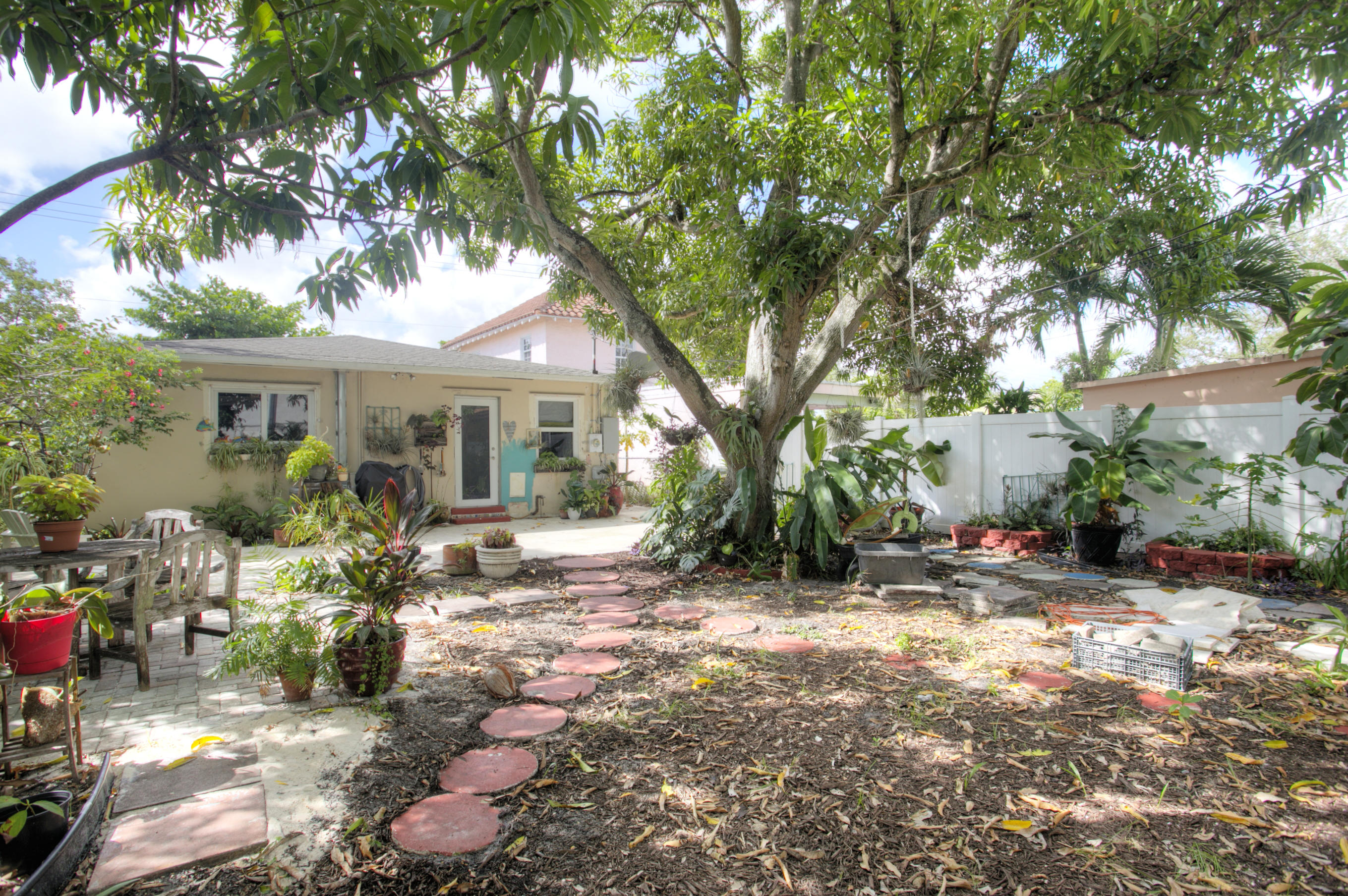 Home for sale in HOLLYWOOD LAWNS Hollywood Florida