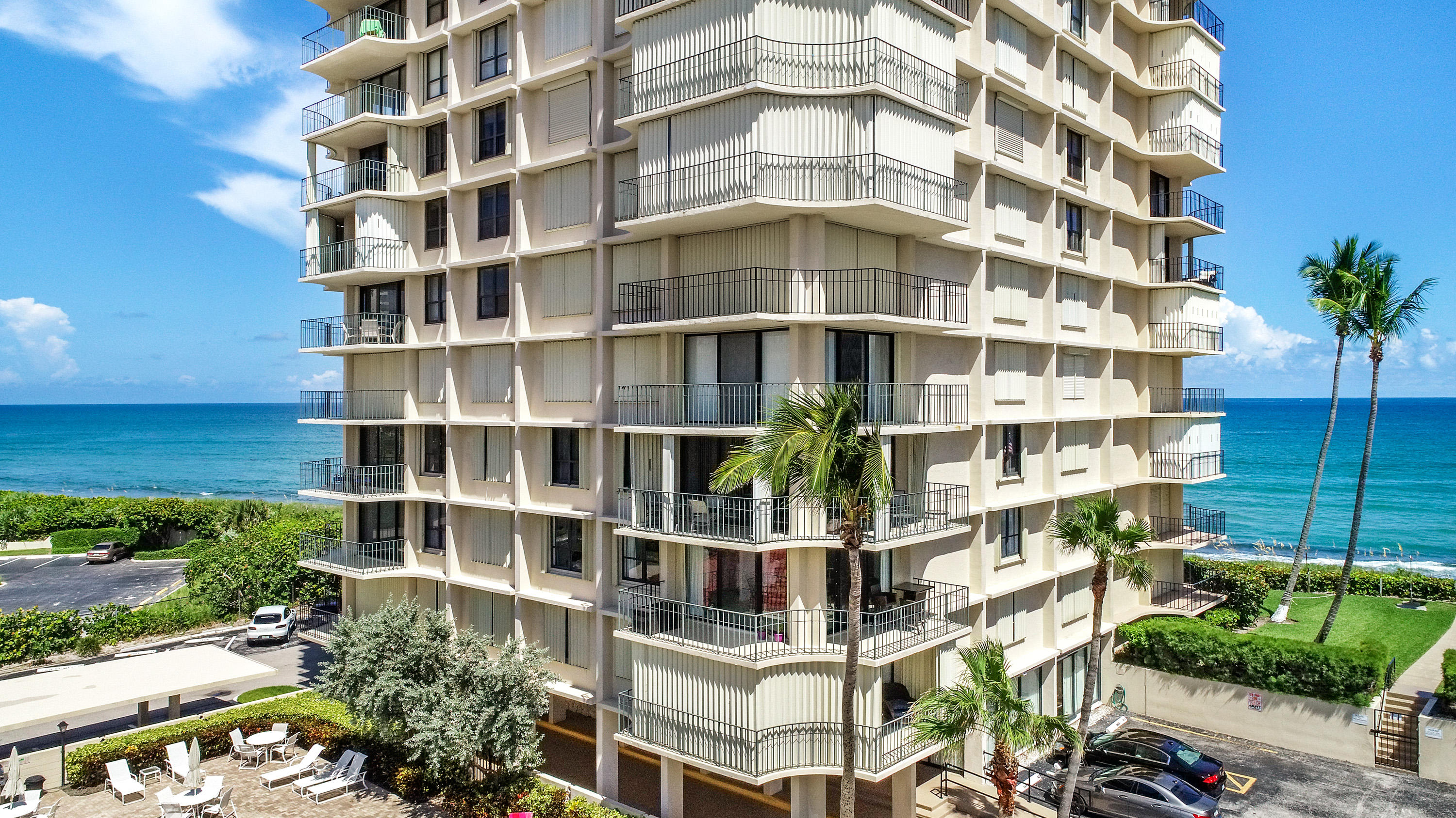 DUNES TOWERS PROPERTY