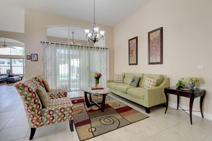 5993 Las Colinas Circle Lake Worth, FL 33463 photo 4
