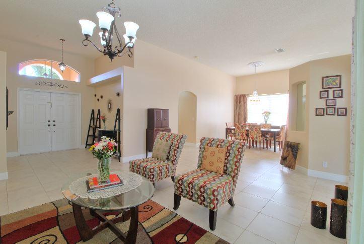 5993 Las Colinas Circle Lake Worth, FL 33463 photo 3