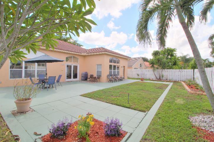 5993 Las Colinas Circle Lake Worth, FL 33463 photo 18