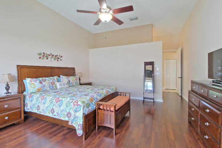 5993 Las Colinas Circle Lake Worth, FL 33463 photo 12