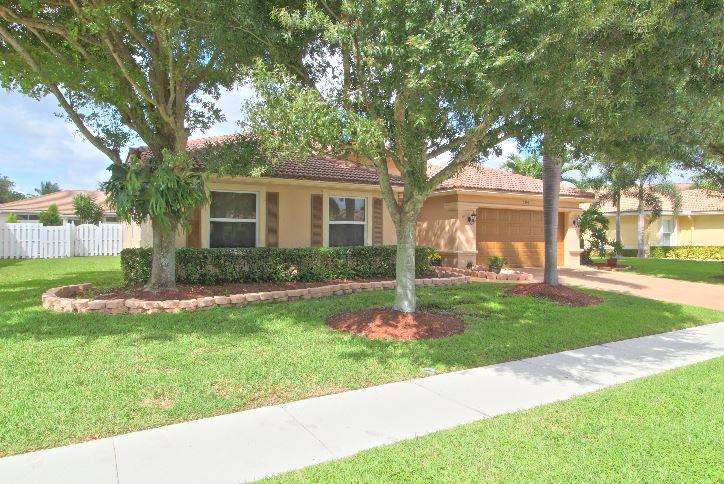 5993 Las Colinas Circle Lake Worth, FL 33463 photo 2