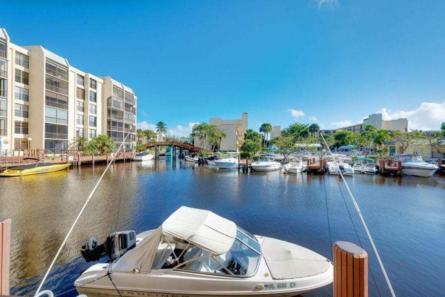 6 Royal Palm Way 302 Boca Raton, FL 33432