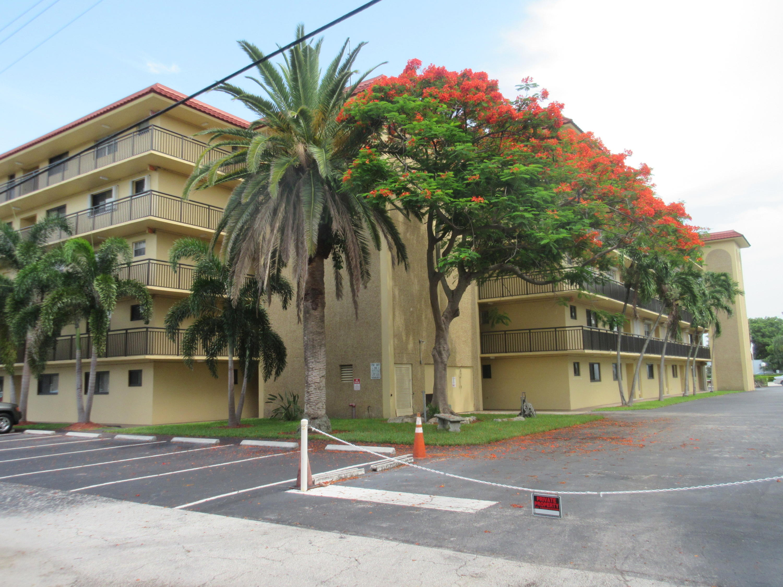 Home for sale in Garden-aire Village Pompano Beach Florida