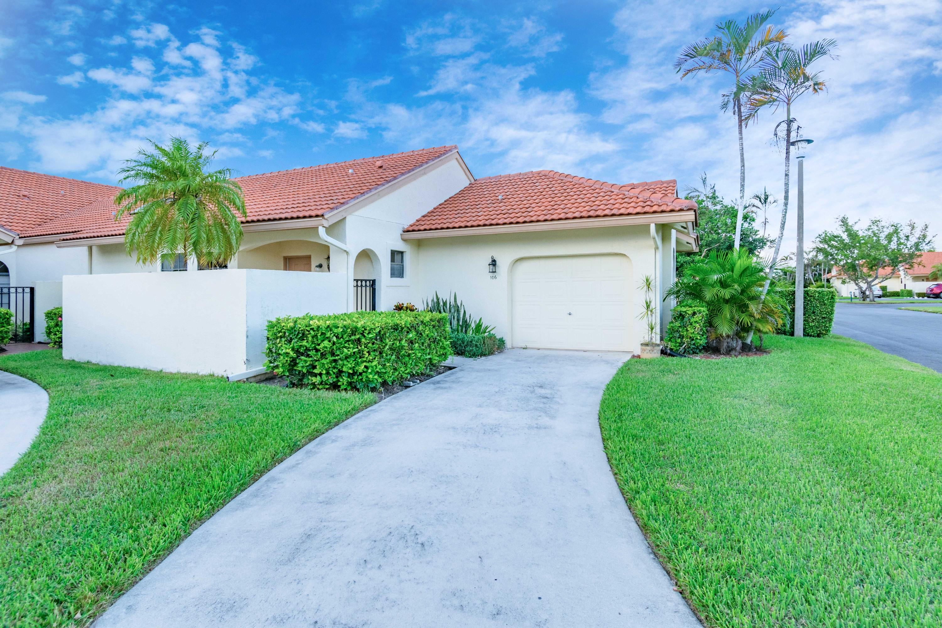 Home for sale in Aberdeen/hourbors Boynton Beach Florida