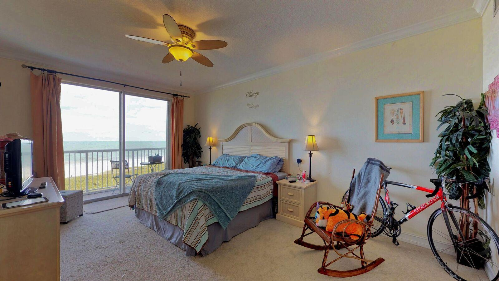 OCEANIQUE OCEANFRONT (OR 2752-1842) BLDG B UNIT 403 (OR 3126-791)