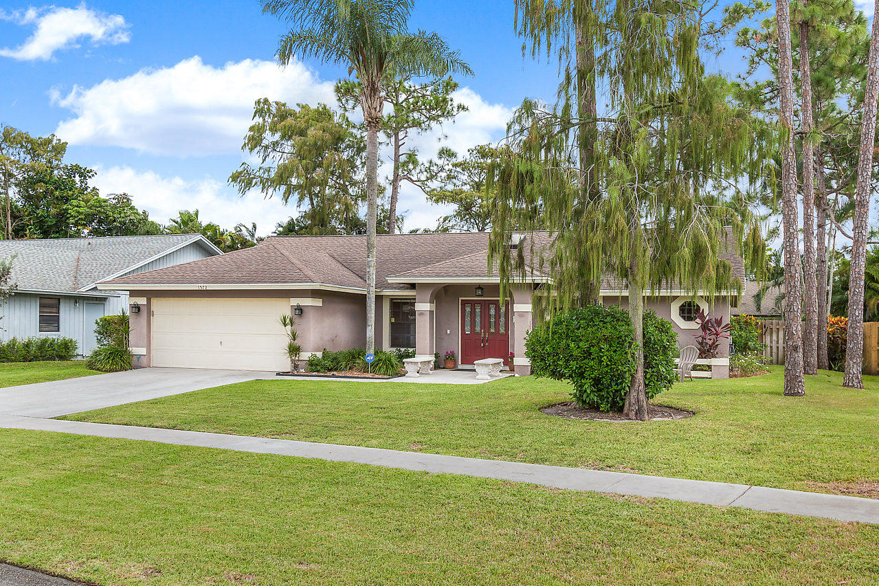 1572 Primrose Lane Wellington, FL 33414 photo 2
