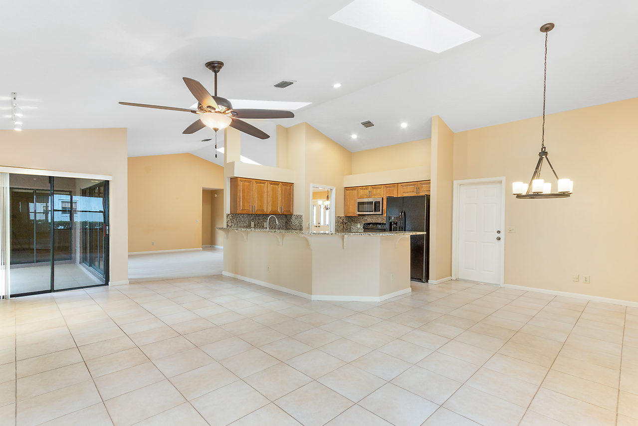 1572 Primrose Lane Wellington, FL 33414 photo 22