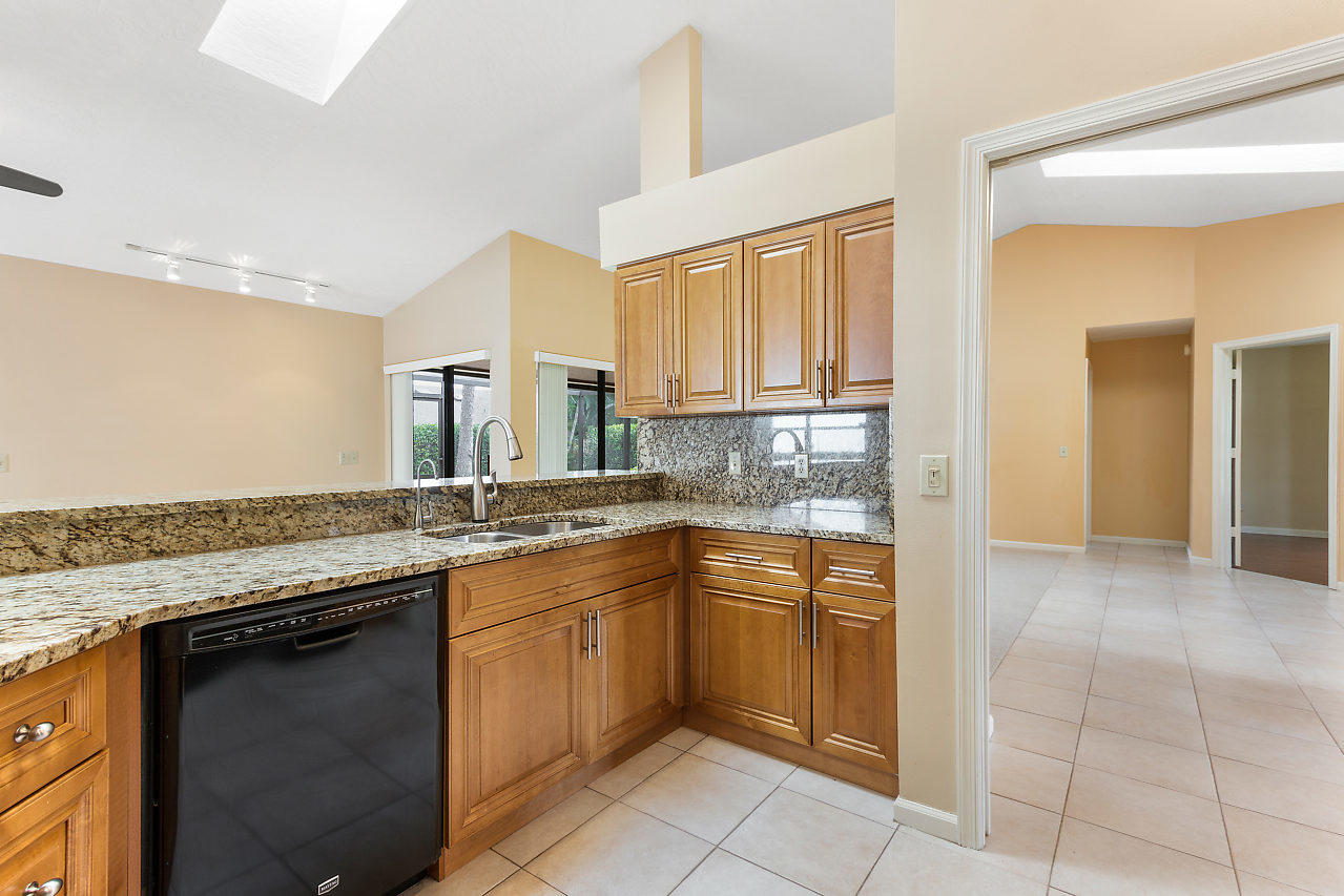 1572 Primrose Lane Wellington, FL 33414 photo 25