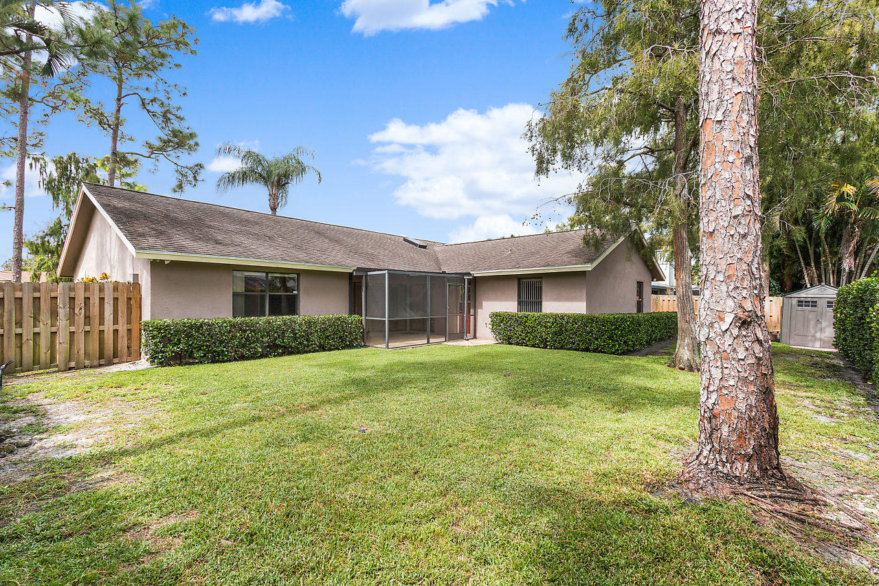 1572 Primrose Lane Wellington, FL 33414 photo 28