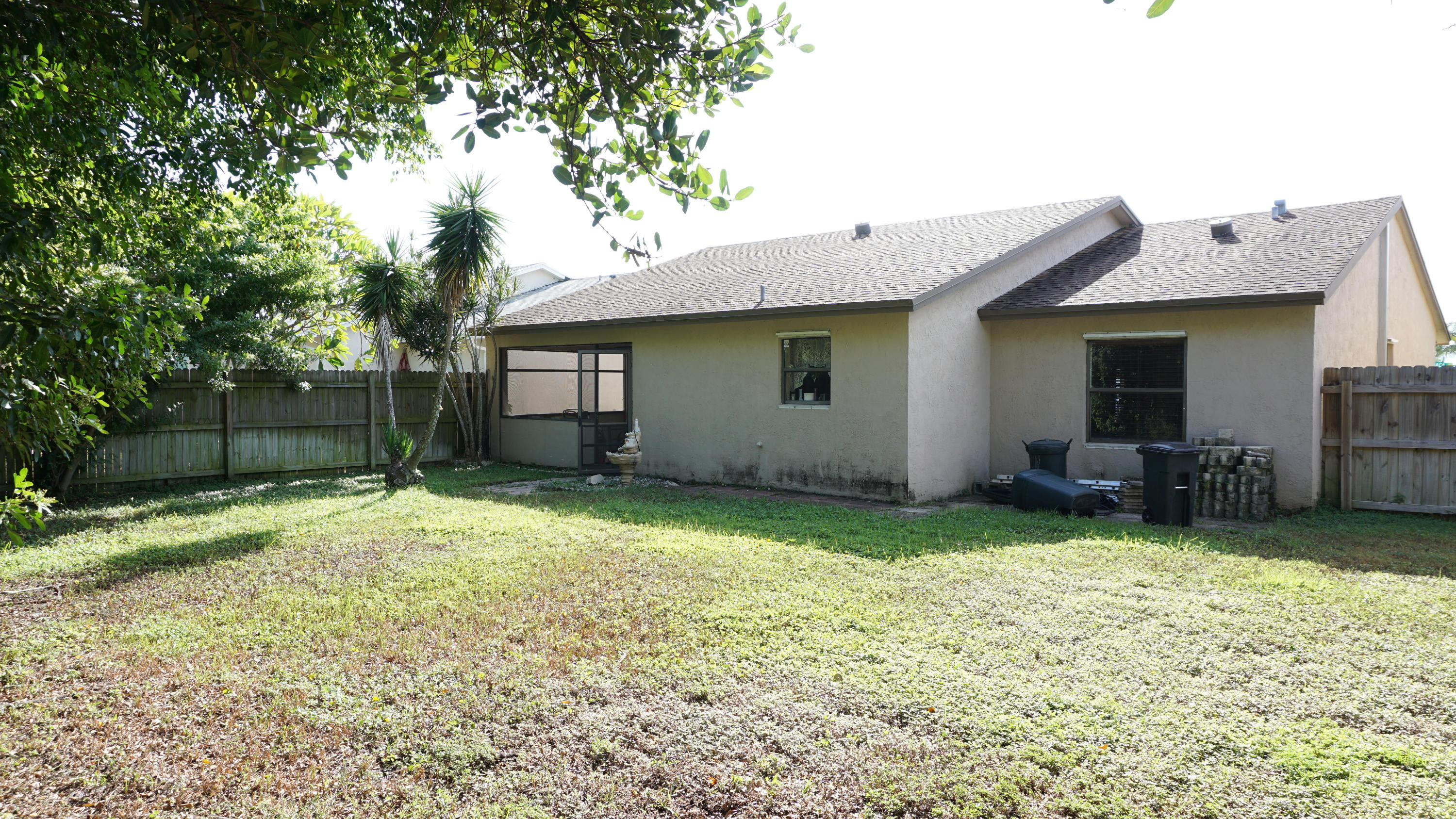 5750 E Ithaca Circle Lake Worth, FL 33463 small photo 16