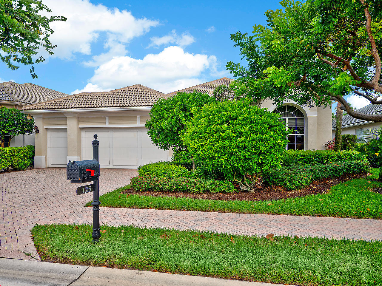 125 Banyan Isle Drive Palm Beach Gardens,Florida 33418,3 Bedrooms Bedrooms,3.1 BathroomsBathrooms,A,Banyan Isle,RX-10470314
