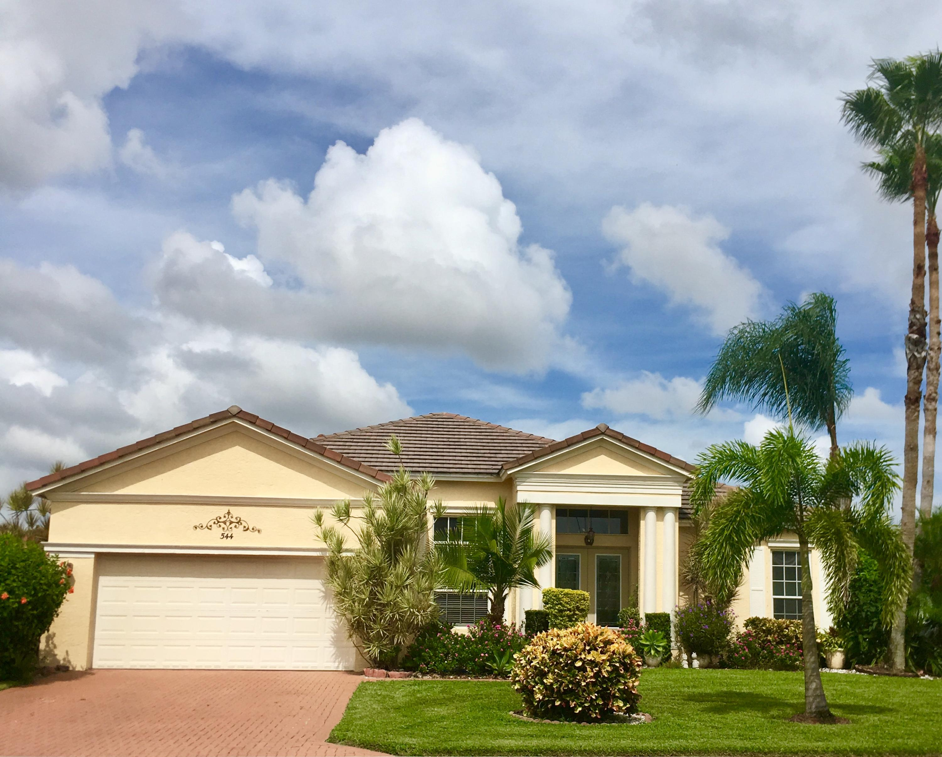 544 SW Lake Manatee Way, Port Saint Lucie, Florida