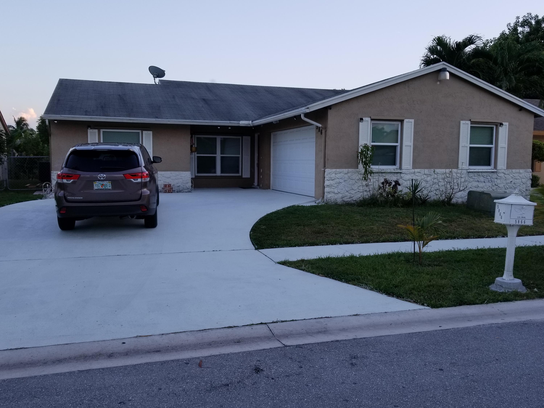 5866 Lincoln Circle Lake Worth, FL 33463