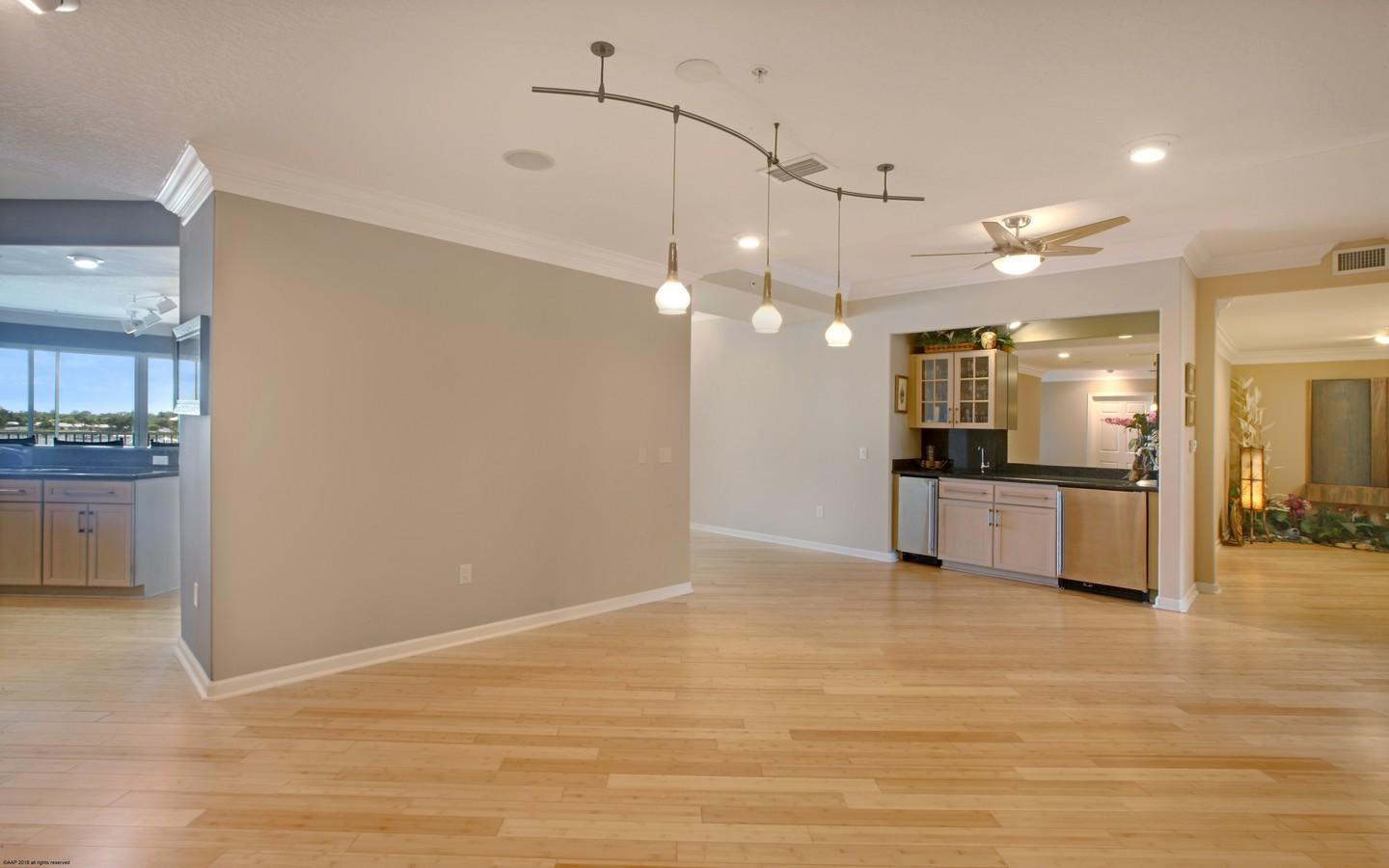 ADMIRALTY CONDOS HOMES FOR SALE