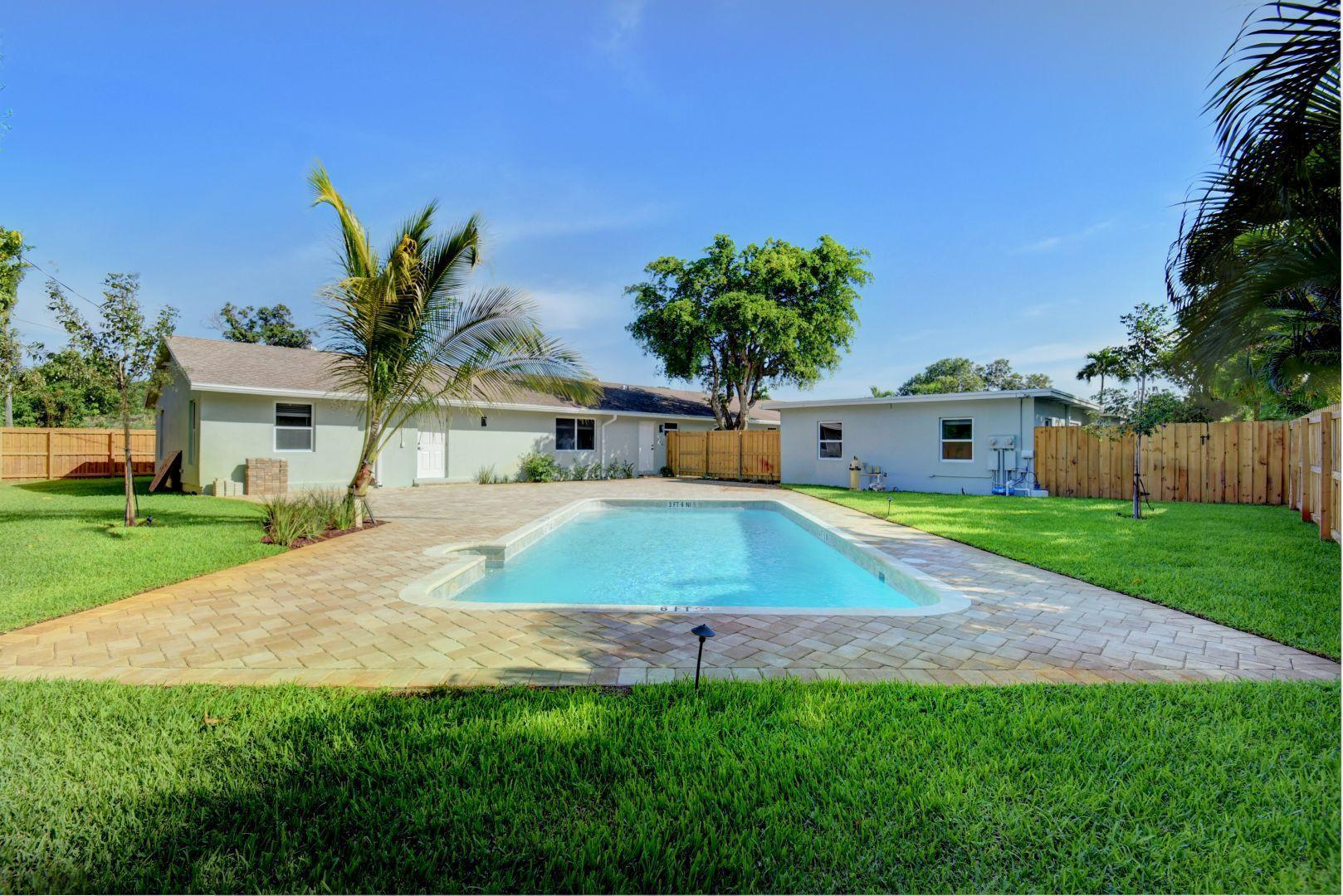 235 NE 13th Street  Delray Beach, FL 33444