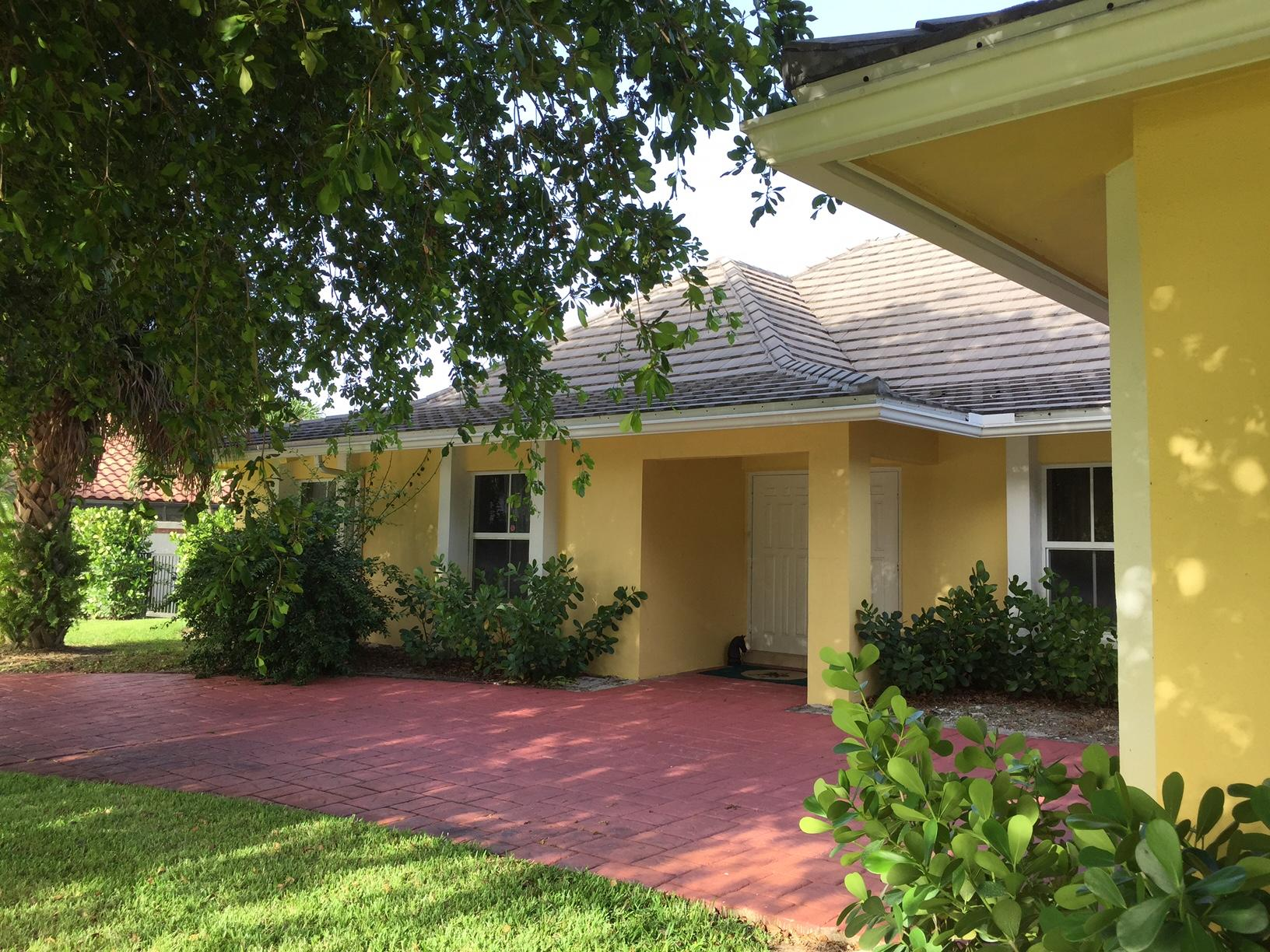 2099 Greenview Cove Drive - Wellington, Florida