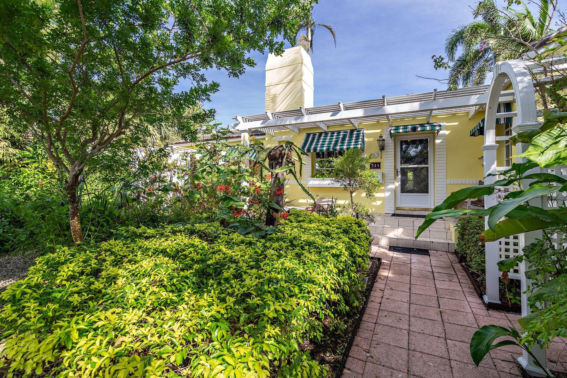 Home for sale in NORTH SHORE TERRACE 1 West Palm Beach Florida