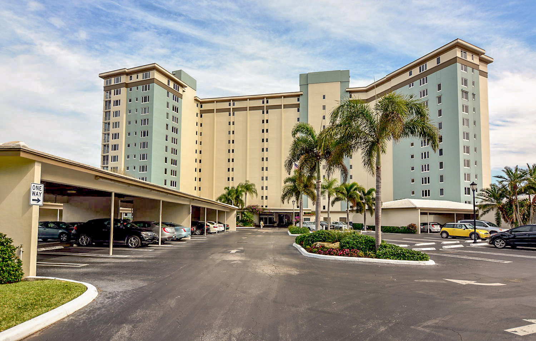 555 SE 6th Avenue 12c  Delray Beach, FL 33483