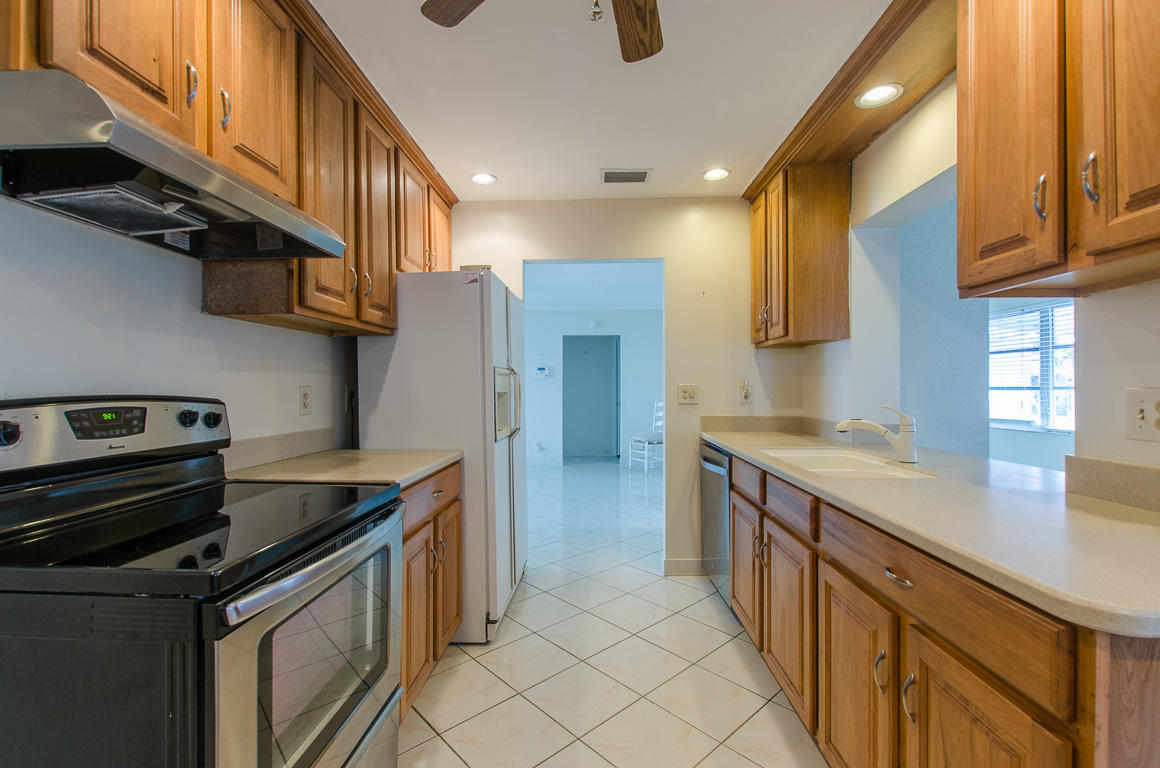 1212 SW 21st Avenue Boynton Beach, FL 33426 small photo 4