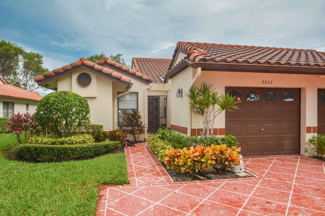 6052 Kings Gate Circle  Delray Beach, FL 33484