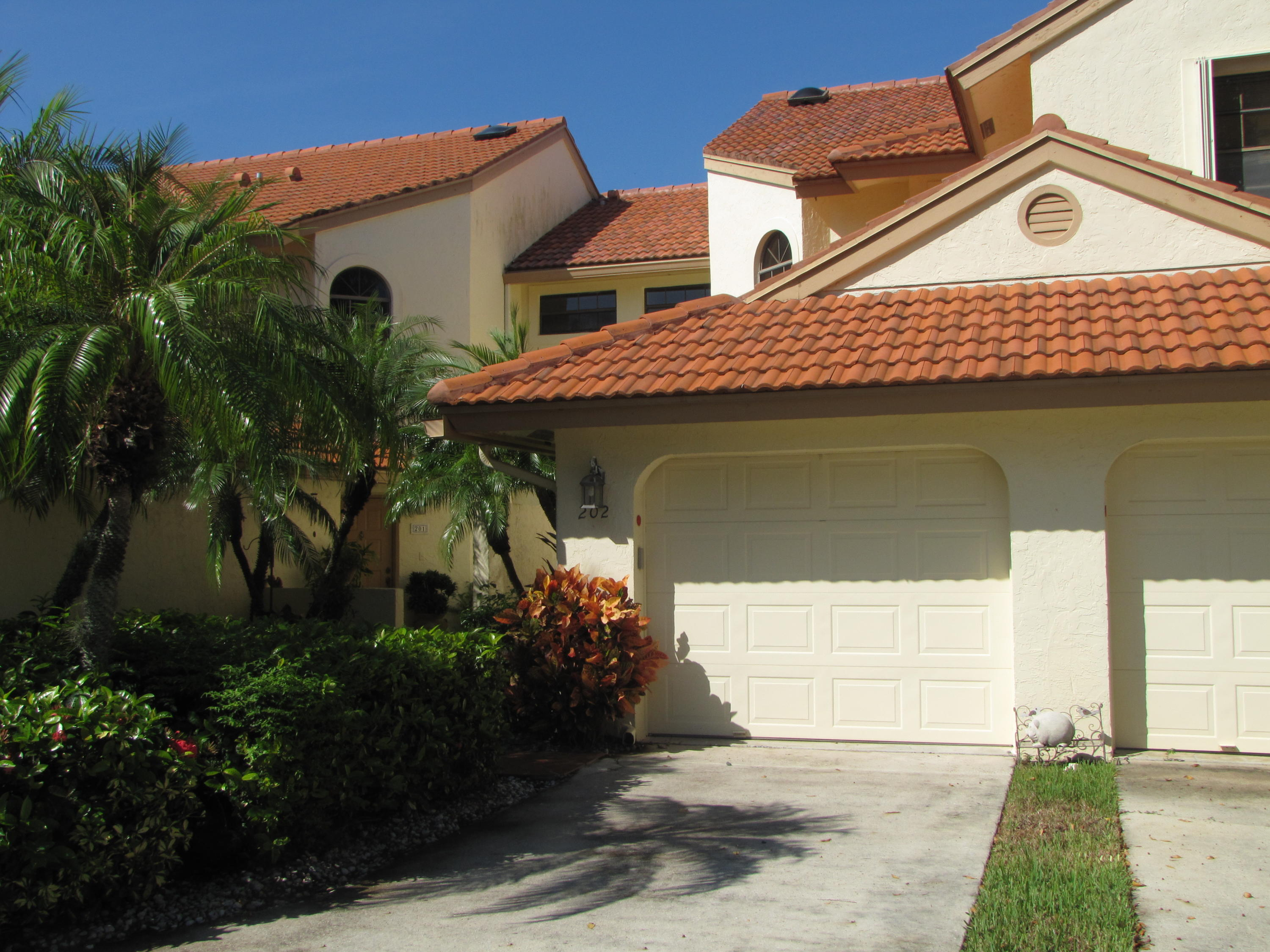 Home for sale in HARBOURS AT ABERDEEN CONDO Boynton Beach Florida