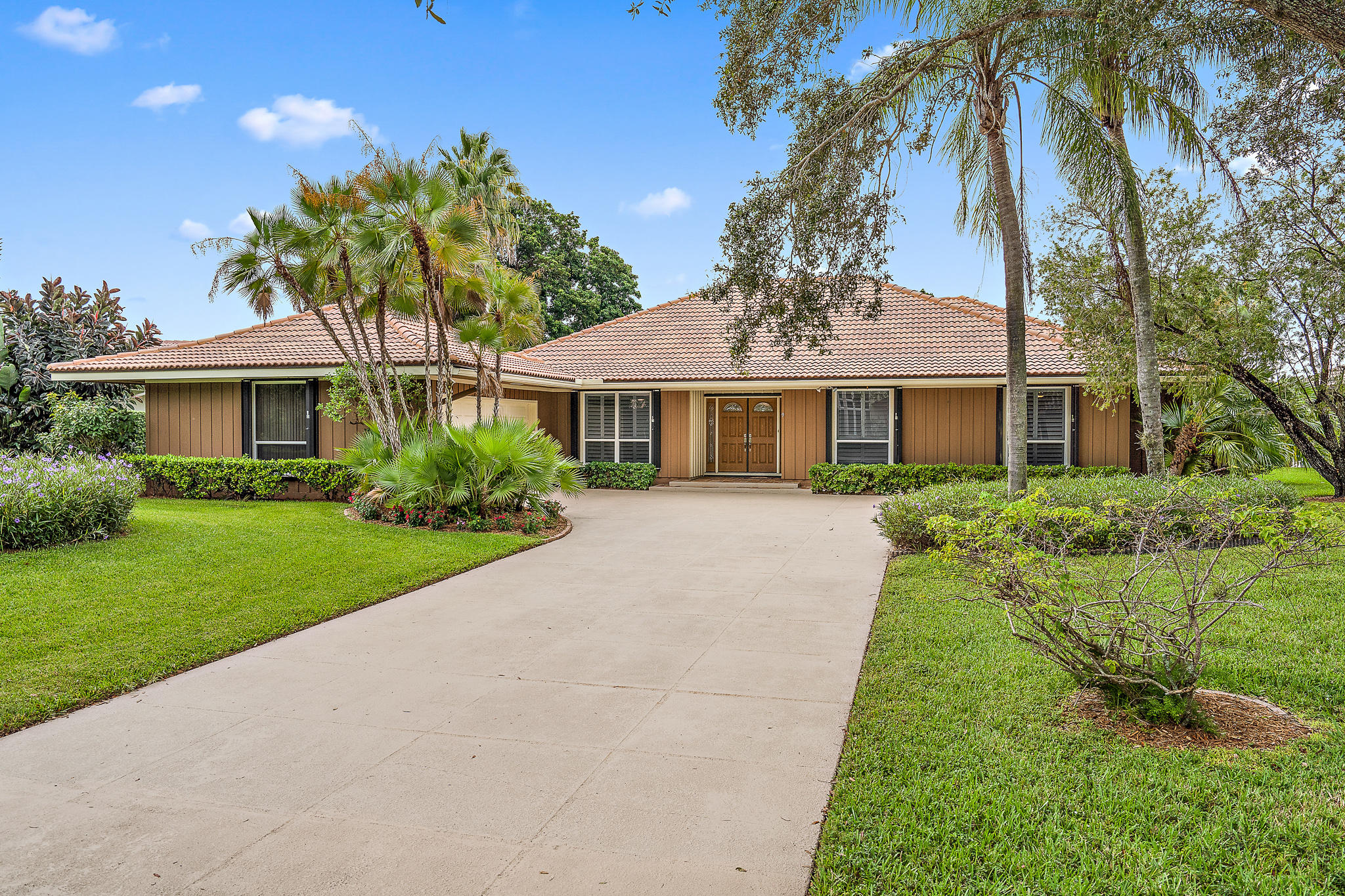 Home for sale in PGA RESORT COMMUNITY 1 Palm Beach Gardens Florida