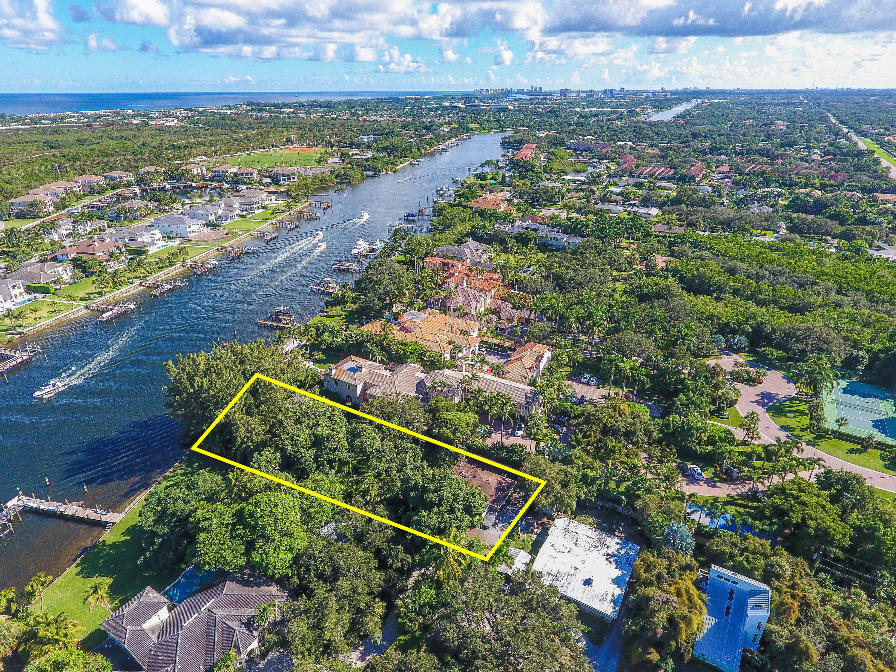 2390 Cardinal Lane - Palm Beach Gardens, Florida