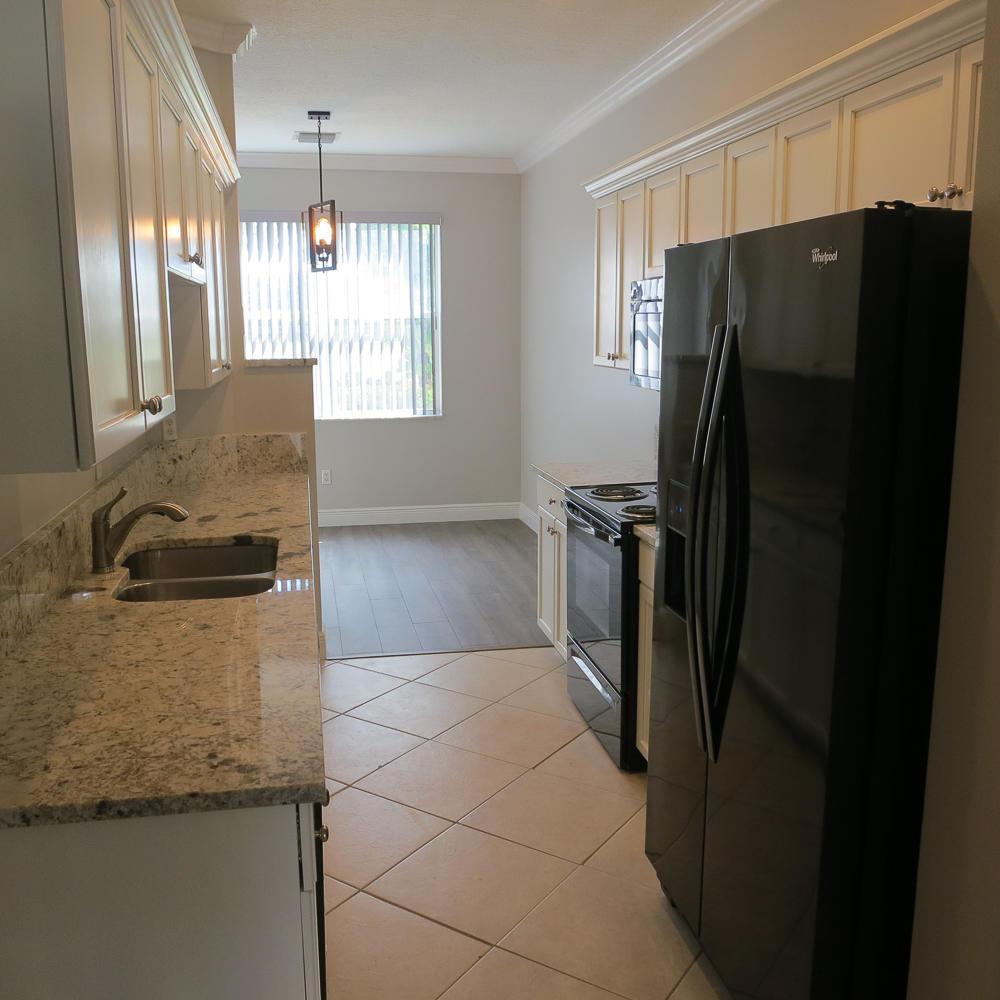 339 River Bluff Lane 339 Royal Palm Beach, FL 33411 photo 2