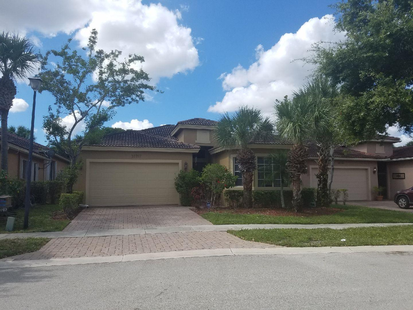 10767 Lake Wynds Court  Boynton Beach FL 33437
