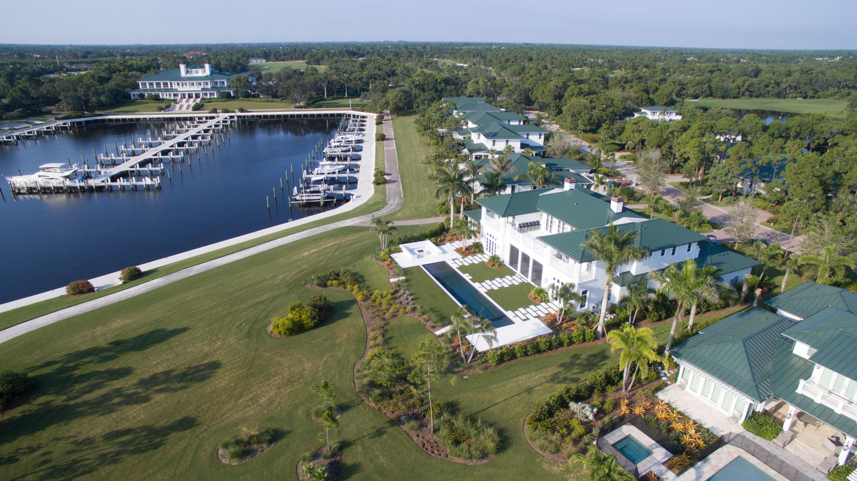 FLORIDIAN YACHT & GOLF CLUB REALTOR