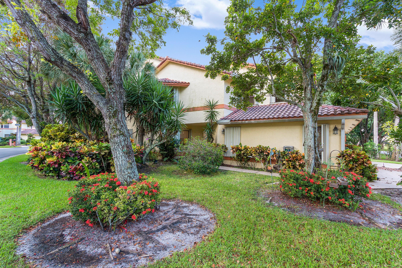 5414 10th Fairway Drive 1  Delray Beach, FL 33484