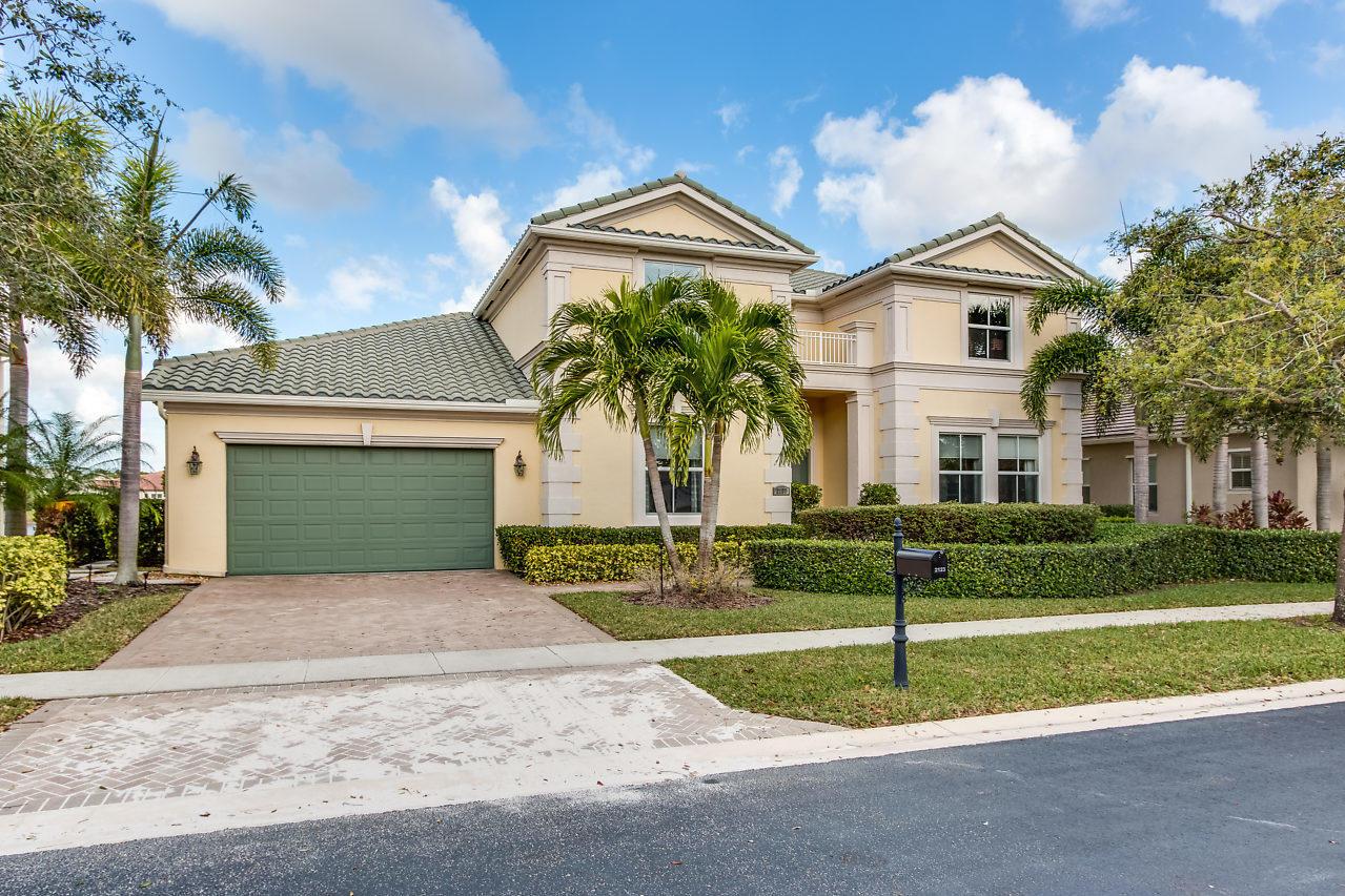 2123 Belcara Court West Palm Beach, FL 33411
