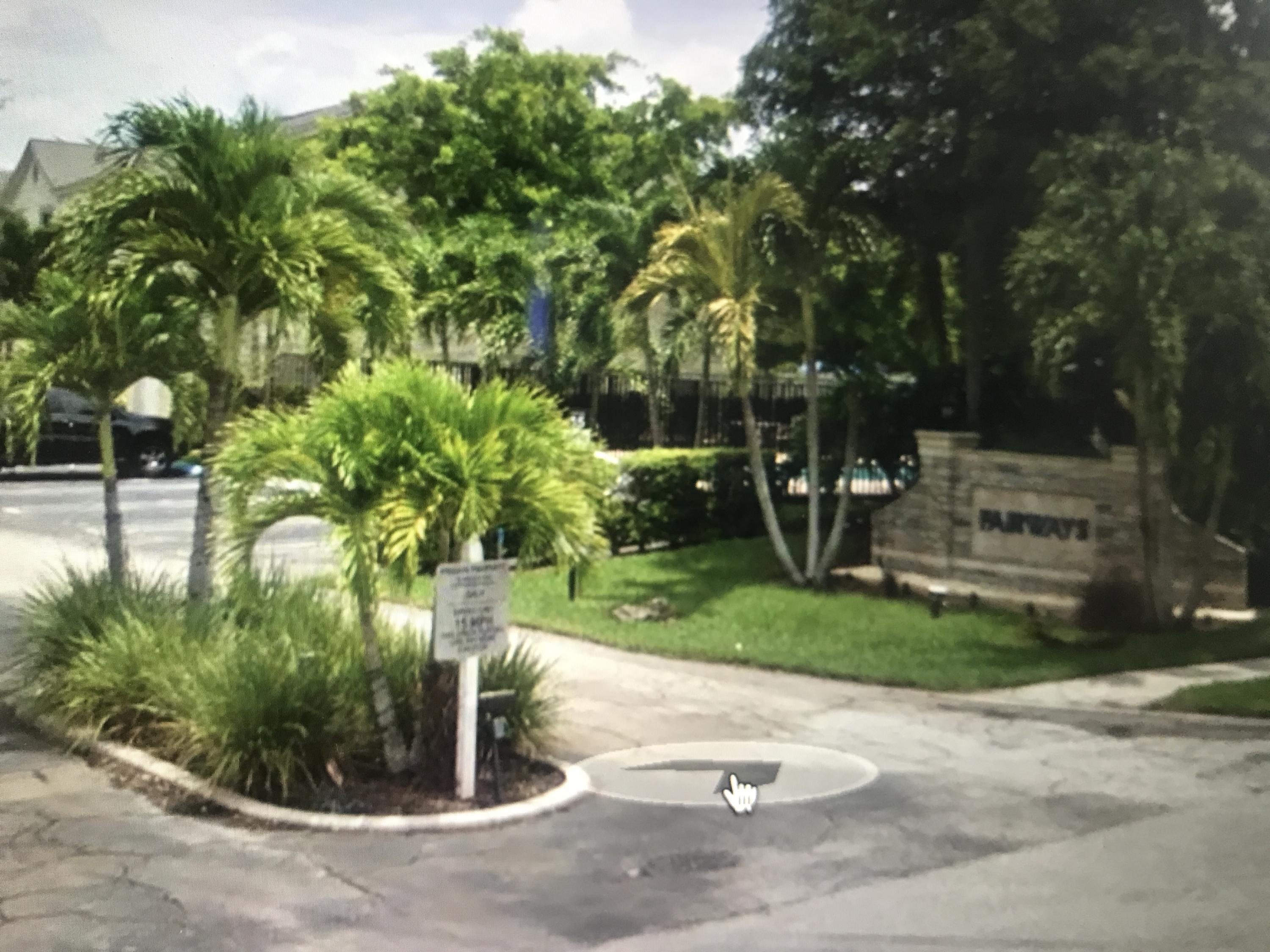 135 Fairway Lane Royal Palm Beach, FL 33411