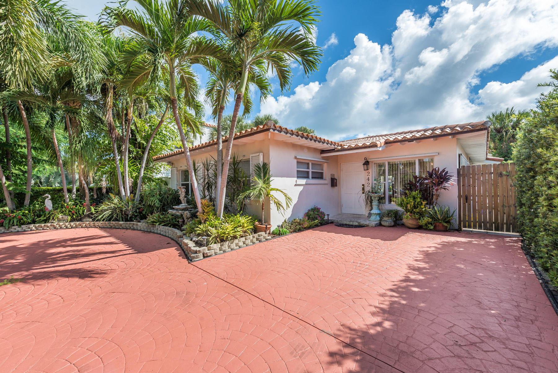 Photo of 242 9th Street, West Palm Beach, FL 33401