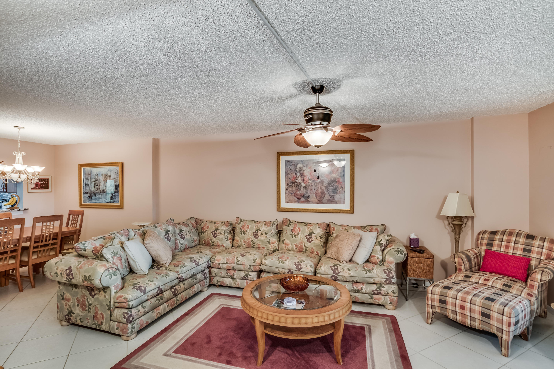 4734 Lucerne Lakes Boulevard 103 Lake Worth, FL 33467 photo 9