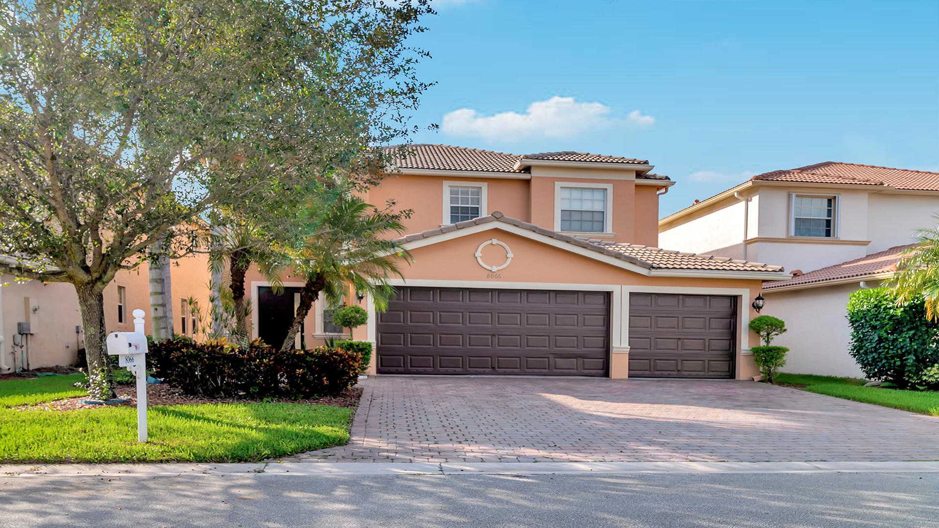 8066 Via Bolzano Lake Worth, FL 33467
