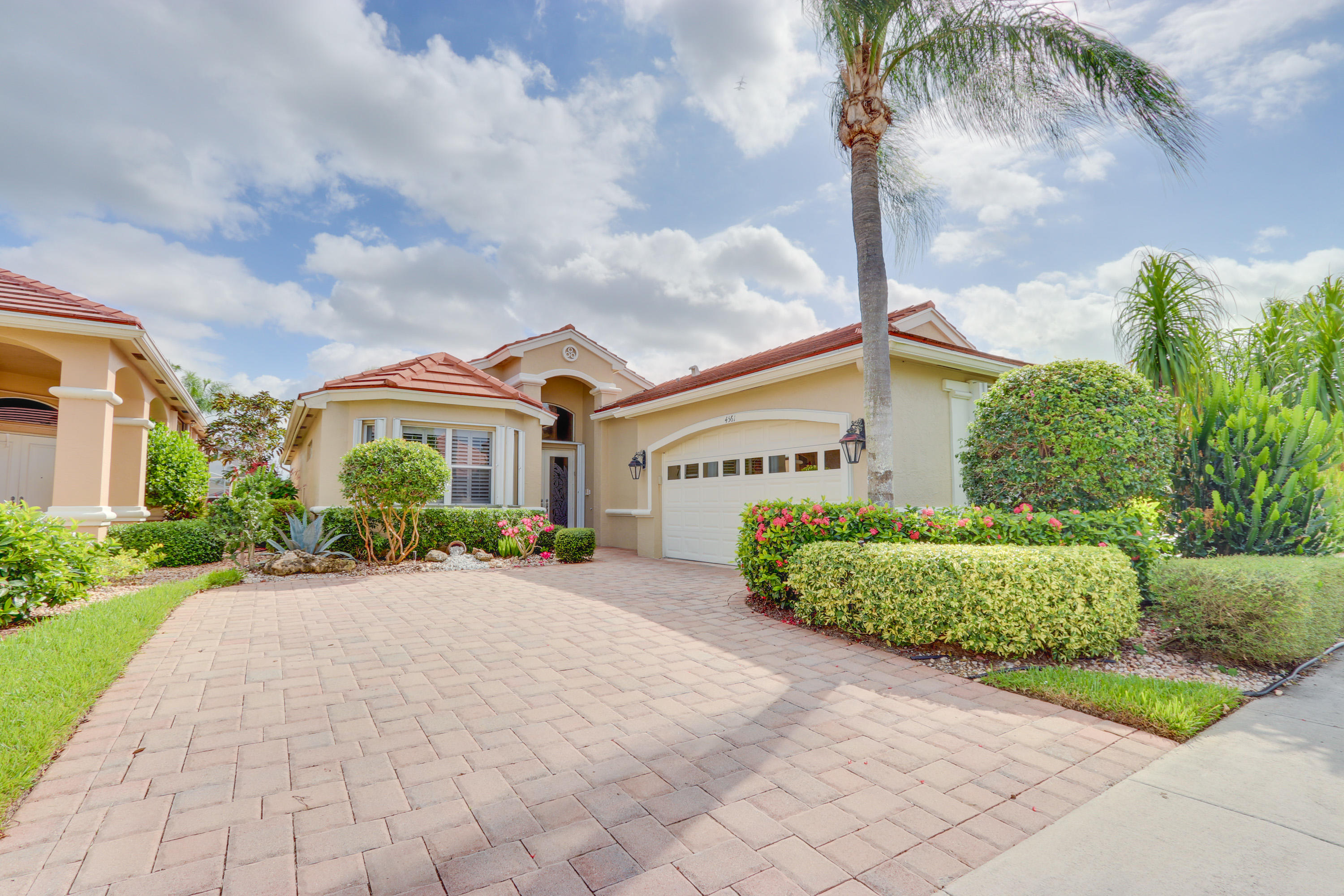 4561 Hazleton Lane Wellington, FL 33449