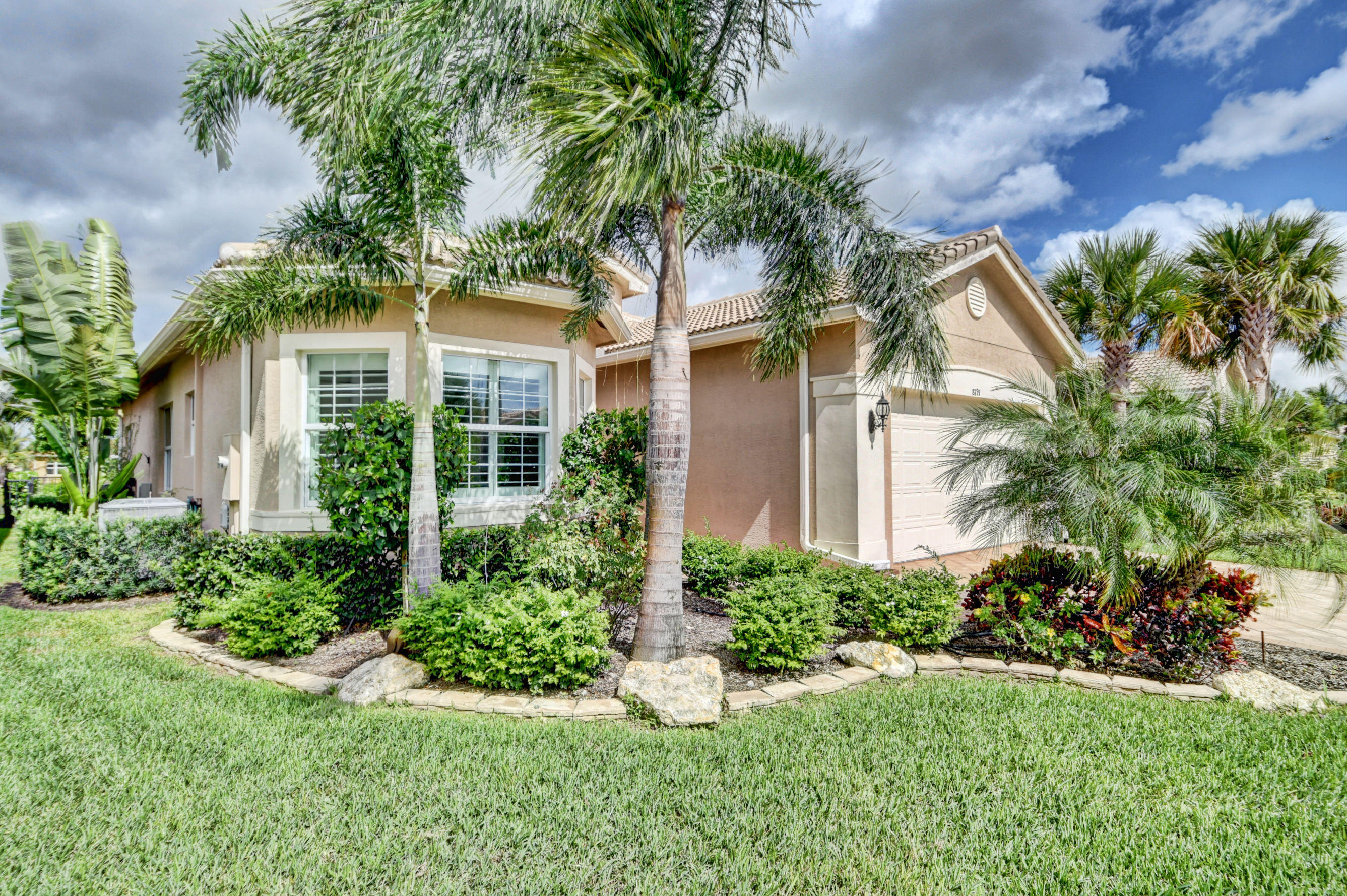 VALENCIA COVE home 8191 Pikes Peak Avenue Boynton Beach FL 33473