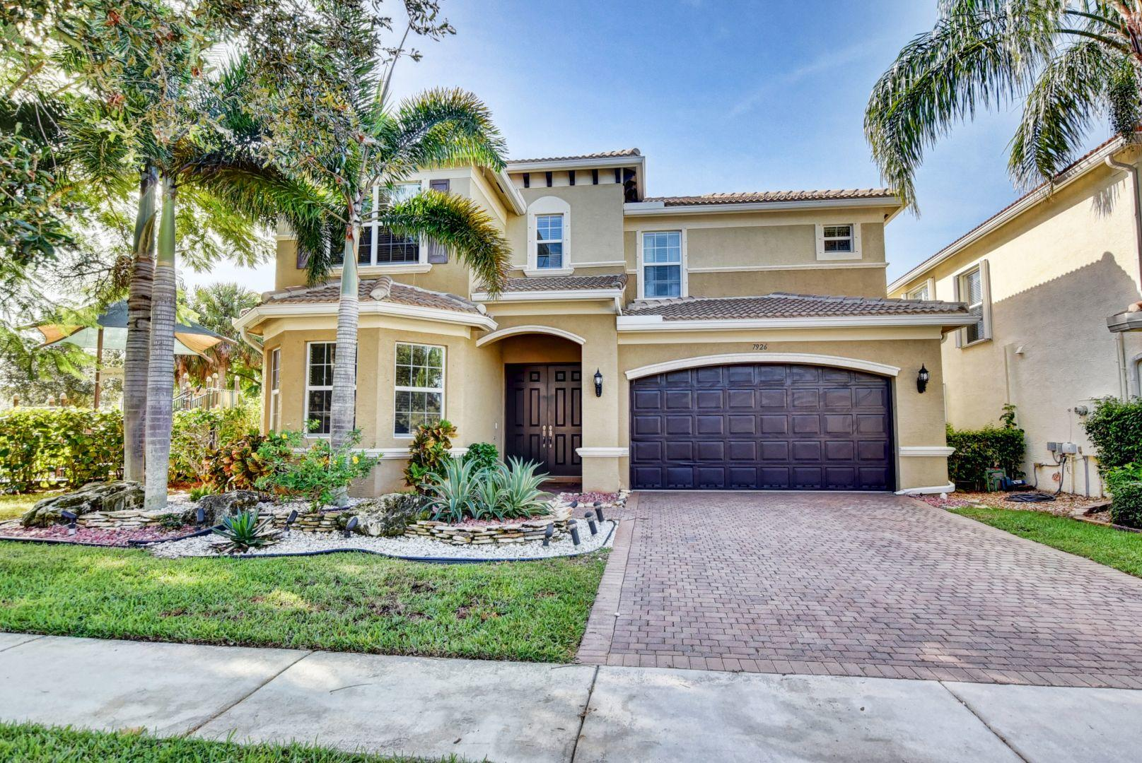 7926 Emerald Winds Circle Boynton Beach, FL 33473