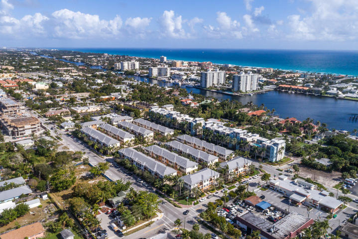 368 W Mallory Circle  Delray Beach, FL 33483