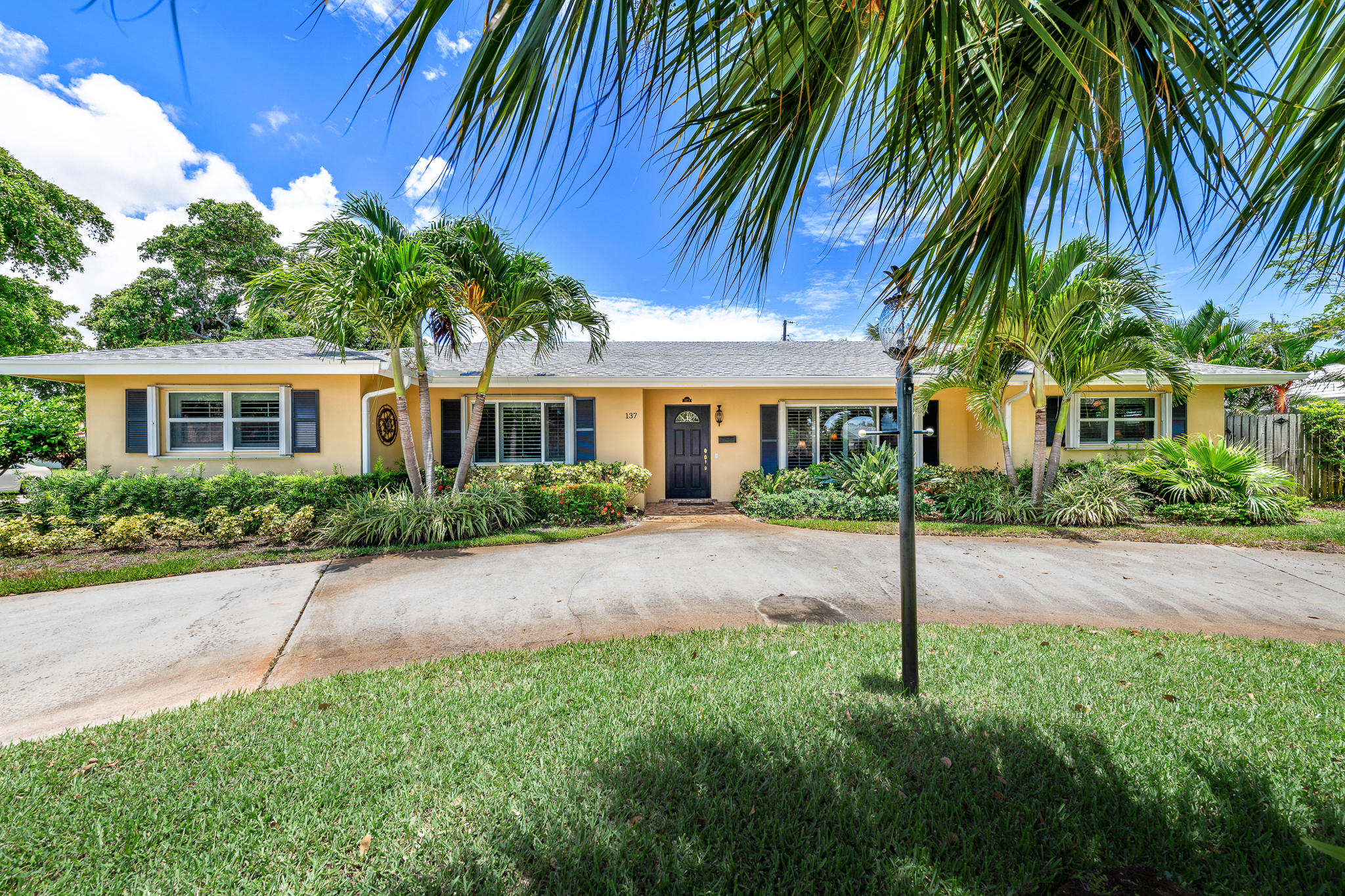 137 Dory Road, North Palm Beach, Florida 33408, 3 Bedrooms Bedrooms, ,3 BathroomsBathrooms,A,Single family,Dory,RX-10476009